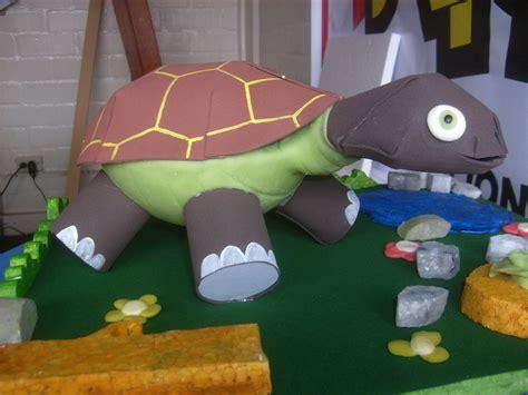 tortuga con papel reciclable maquetas escolares