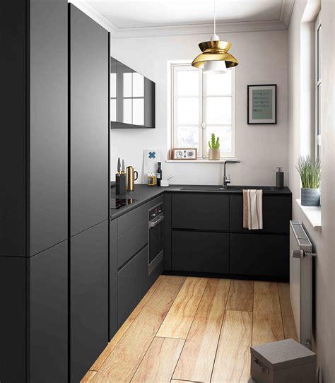 cuisine uip noir cuisine moderne noir et bois ouverte ambiance rétro