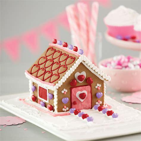 gingerbread valentine mini wilton kit decorating pink cake valentines dessert wlproj