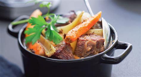 recette cuisine traditionnelle un plat exquis un pot au feu en cocotte