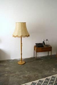 Stehlampe Retro Design : die besten 25 stehlampe retro ideen auf pinterest retro stehlampen midcentury stehlampen und ~ Bigdaddyawards.com Haus und Dekorationen