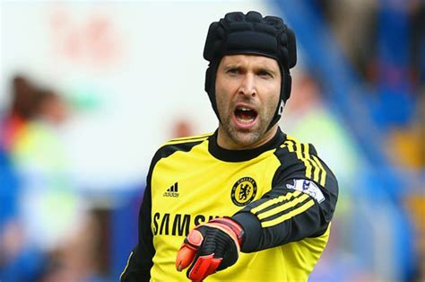 liverpool   race  sign petr cech daily star