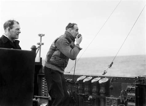 hms portlands sailors pay homage  ultimate submarine