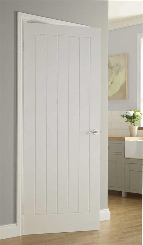 Vertical 5 Textured White Primed Door