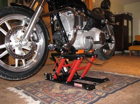 Help Me Lift My Bike. Red Sears Jack