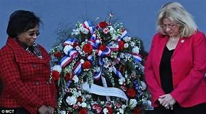 Columbia shuttle disaster: Hundreds honor seven hero ...
