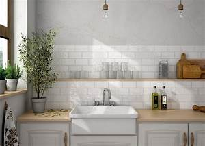 White kitchen tiles uk designs for Kitchen with wall tiles images