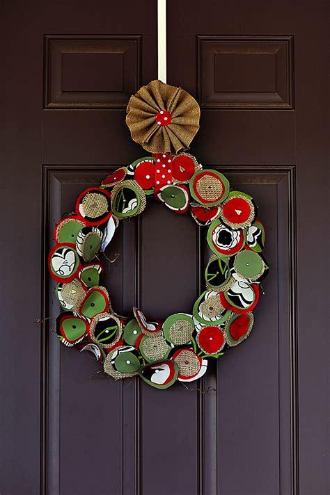 christmas wreaths diy 21 diy christmas wreath decorating ideas