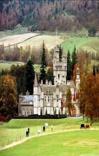 Balmoral Castle Queen Elizabeth