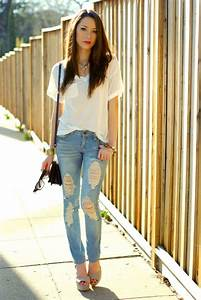 Outfits with Ripped Jeans-15 Ways to Wear Distressed Denims