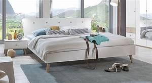 Bett Kaufen Günstig : g nstiges designerbett im angesagten retrostil corvara ~ Orissabook.com Haus und Dekorationen