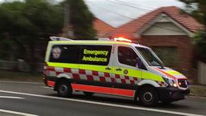 Act Automobile : nsw ambulance redfern intensive care cars responding youtube ~ Gottalentnigeria.com Avis de Voitures