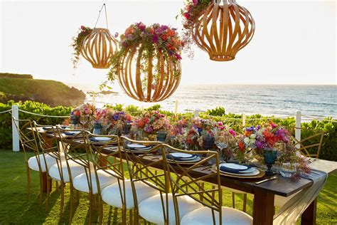 Tropical Theme For Your Summer Wedding