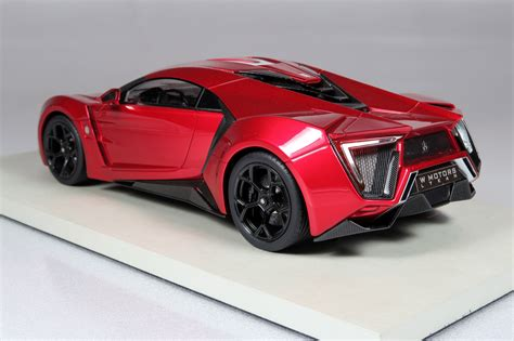 Top Marques Collectibles Lykan Hypersport, 1:18 red | TOP30E