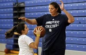 Pics For > Tallest Female Basketball Player