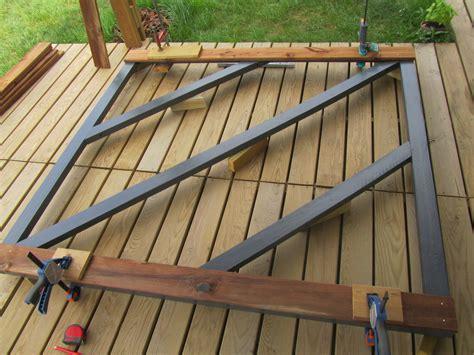 maison peinte en gris 1 comment fabriquer un portail en bois maison paille kirafes