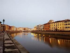 Fluß Durch Florenz : eine nacht in pisa toskana italien europa stockfoto bild von basilica wasser 101874288 ~ A.2002-acura-tl-radio.info Haus und Dekorationen