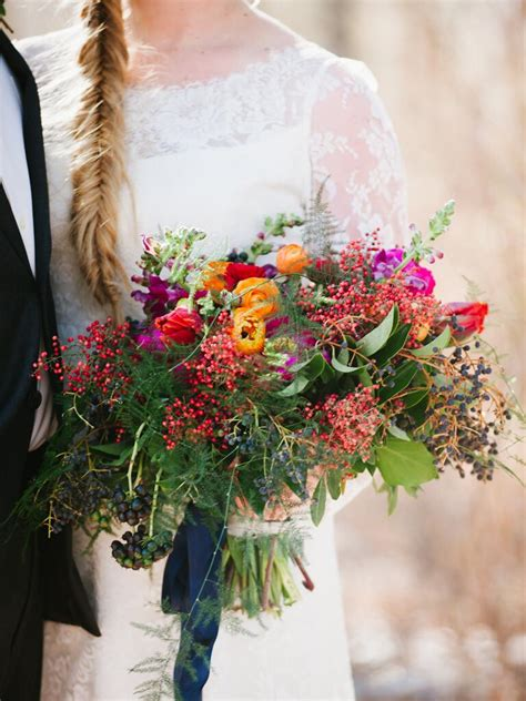 Fall Wedding Bouquet Ideas And Which Flowers Theyre Made With