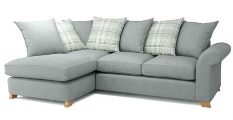 model sofa ruang tamu kecil contoh sofa untuk ruang tamu kecil sofa minimalis