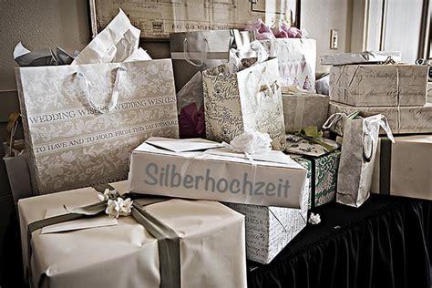 geschenke für silberhochzeit silberne hochzeit gestaltungsideen einladung geschenkinspirationen