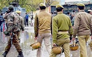 Non-Kashmiri girl students of Srinagar NIT narrate horror ...