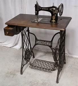 Ancienne Machine A Coudre : ancienne machine a coudre singer ~ Melissatoandfro.com Idées de Décoration