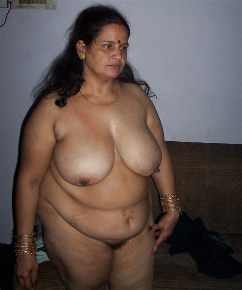 Indian Bbw Aunty With Huge Boobs 6 Pics