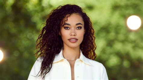 Participated in the voice of holland in 2014, where she debuted with whitney houston's i will always love you during. Vanavond op tv: Romy Monteiro en Kees Tol vervangen M met muziekquiz - Showbizznetwork.nl