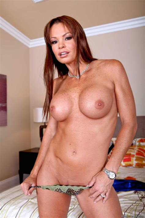 Hot Redhead Rhylee Richards Showing Off Her Sexy Body My