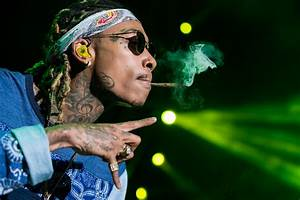 Wiz Khalifa - Celebrity pot smokers - Pictures - CBS News