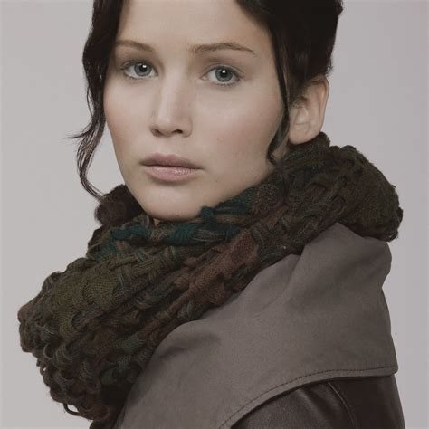 pictures of katniss everdeen jennifer lawrence fansite two new photos of katniss everdeen