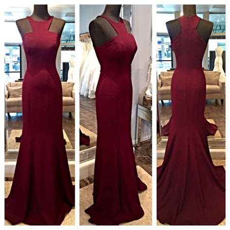 wine colored evening gown best 25 burgundy gown ideas on burgundy