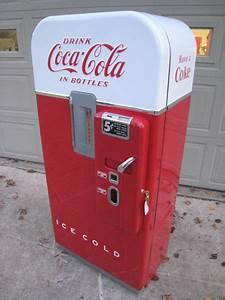 Vendo Coke machine restoration, Vendo Coca Cola Machine restoration, Vintage Vendo Coke Machine