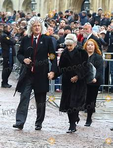 Stephen Hawking House Cambridge : photos and pictures cambridge uk brian may and anita dobson at the professor stephen hawking ~ Bigdaddyawards.com Haus und Dekorationen