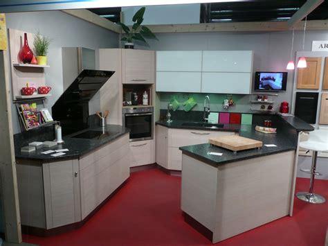 colonne angle cuisine meuble tv dangle salvador avec rangements solutions pour