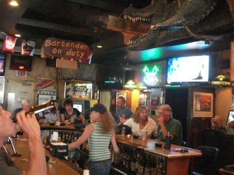 gator lounge  historic watering hole  bradenton
