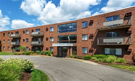 Appartments In Pittsburgh by Westpointe Apartments For Rent In Robinson Township