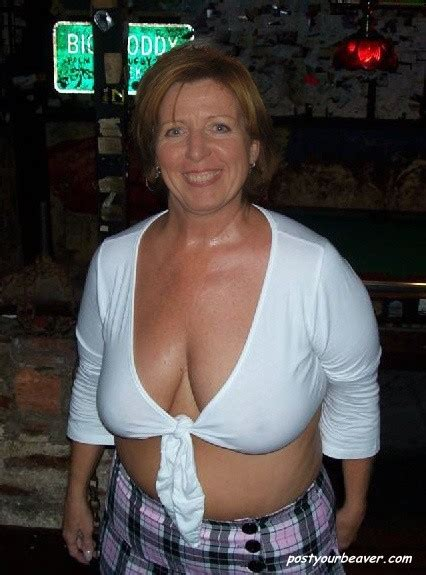 mature braless saggy cleavage ehotpicscom