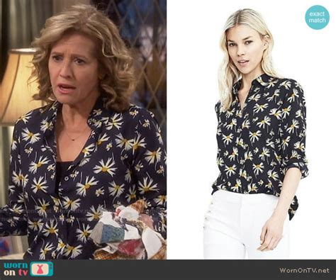 WornOnTV: Vanessa's black daisy print shirt on Last Man ...