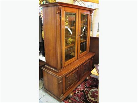 Belgian Oak Buffet & Hutch With Stained Glass Doors (i