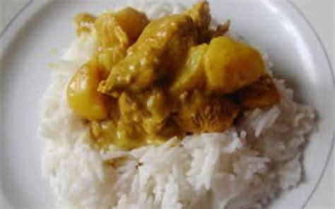 cuisiner une escalope de dinde recette escalope de dinde au curry pas chère et simple