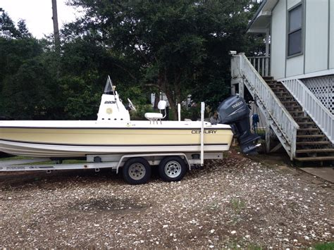 Century Boats Of Ta Bay by 2004 Century Bay Boat 2202 The Hull Boating And