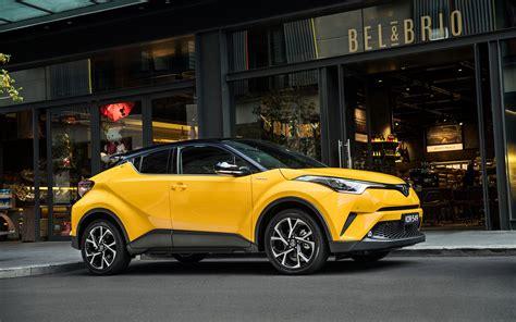 Comparison Toyota C Hr Hybrid 2017 Vs Honda Hr V