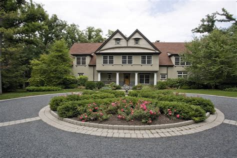 landscaping ideas for circular driveway circular driveway front yard entrance lake bluff il traditional landscape other metro