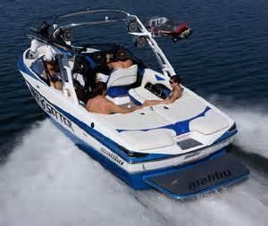 Malibu Boats Riders by Riders Vote Malibu Wakesetter Vlx Boat Of The Year