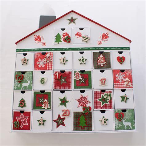 calendrier de l avent maison calendrier de l avent maison en bois