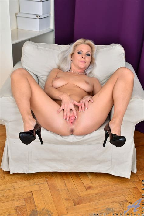 anilos toy fuck featuring kathy anderson photos