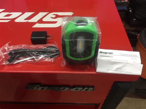 snap on rechargeable work light snap on green magnétic led work light rechargeable