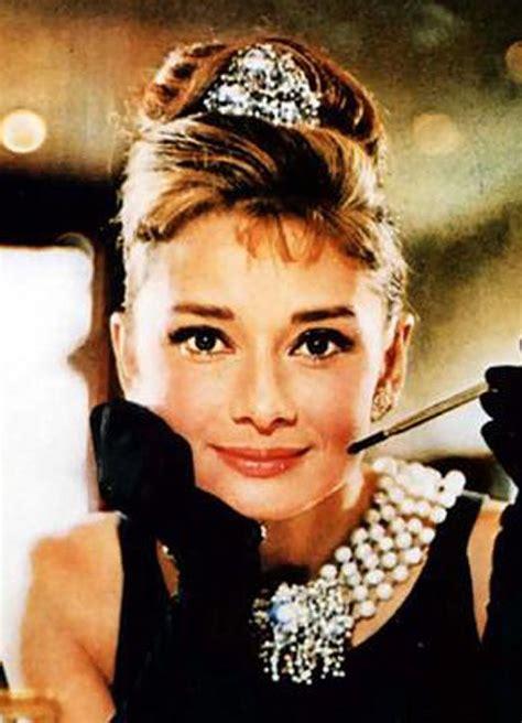 Голливудский макияж Одри Хепберн. Audrey Hepburn make up. Стрелки YouTube