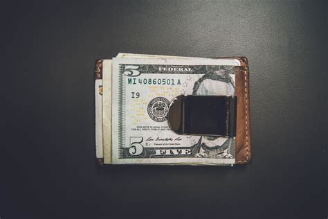 money spend wisely things wallet cash